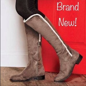 BROWN  KNEE HIGH STRETCH BACK BOOTS
